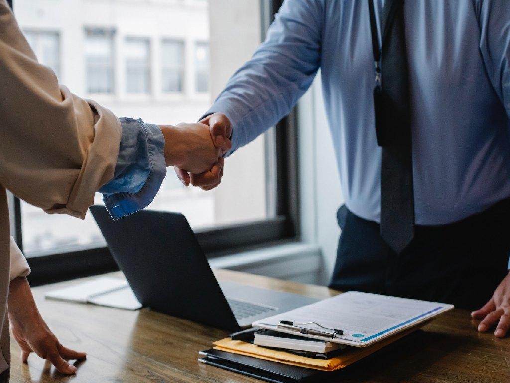 Pomoc w sprawie pozorności umowy o pracę
